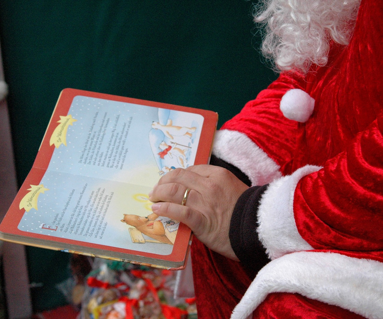 the best christmas books for reading aloud - Best Christmas Books